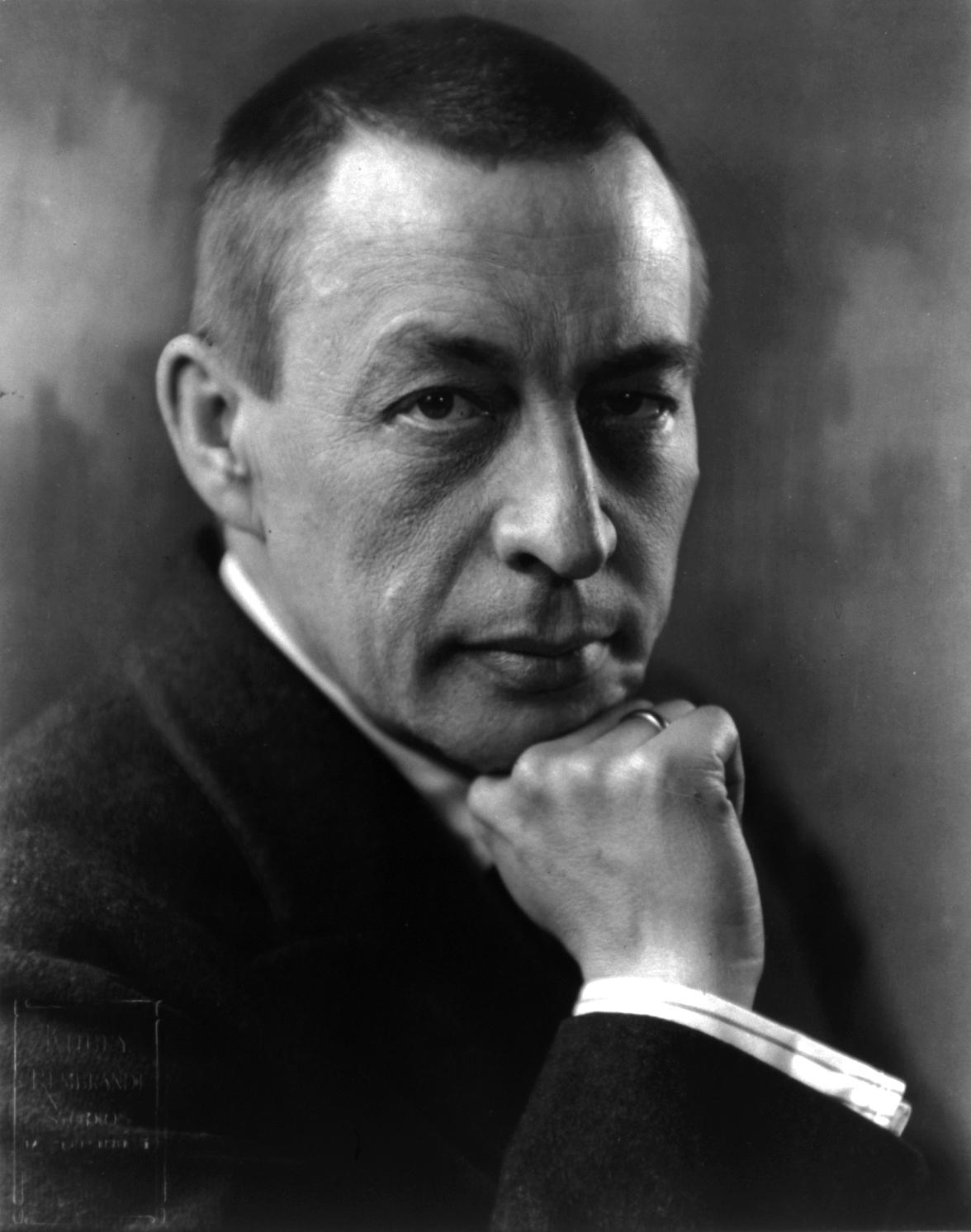 https://kksonorus.se/wp-content/uploads/2018/01/Sergei_Rachmaninoff_cph.3a40575.jpg
